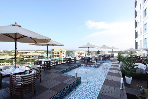 Cendeluxe Hotel – Managed by H&K Hospitality