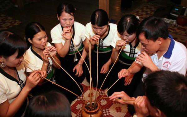 Rượu cần của người Ma Coong