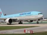 Con chủ hãng hàng không Hàn Quốc ra lệnh đuổi tiếp viên khỏi máy bay