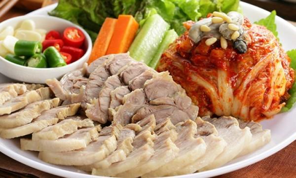 Thịt lợn nạc vai (bossam)