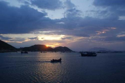 Hoàng hôn đảo Bình Ba