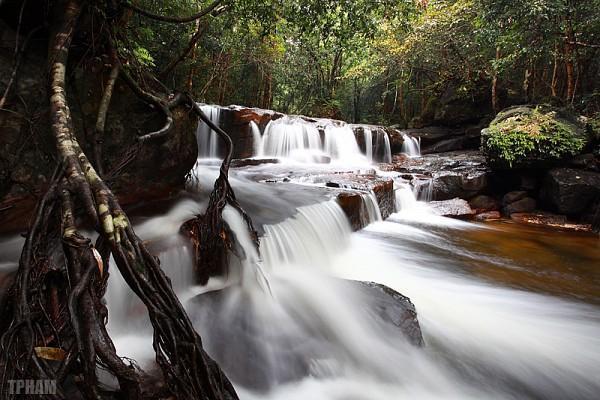Khu du lịch suối Tranh thuộc ấp Suối Mây, xã Dương Tơ, Phú Quốc