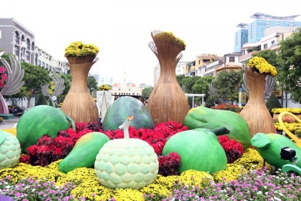Đường hoa Nguyễn Huệ năm nay tăng thời gian phục vụ khách đến mùng 5 Tết