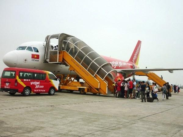 Xe bus trung chuyển từ sân bay đến trung tâm Thành Phố