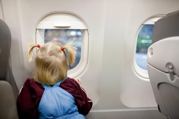 Bảng giá vé mới áp dụng cho trẻ em khi đi máy bay