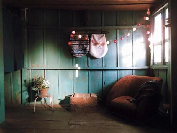 Ngồi đọc sách trong không gian này thật thích