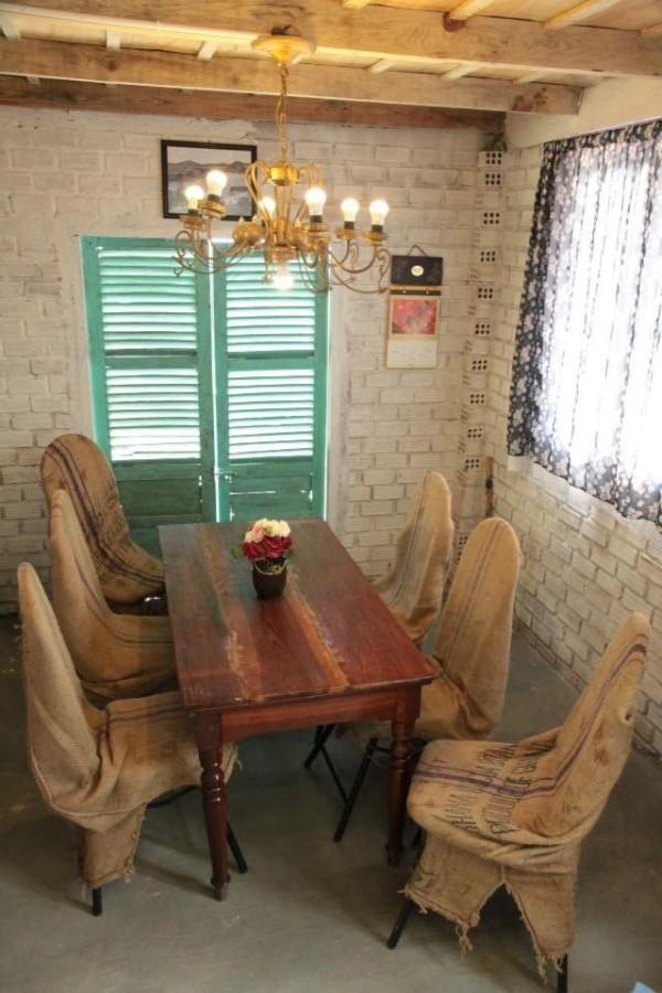 Phòng khách là không gian chung để các bạn có thể ngồi trò chuyện với nhau