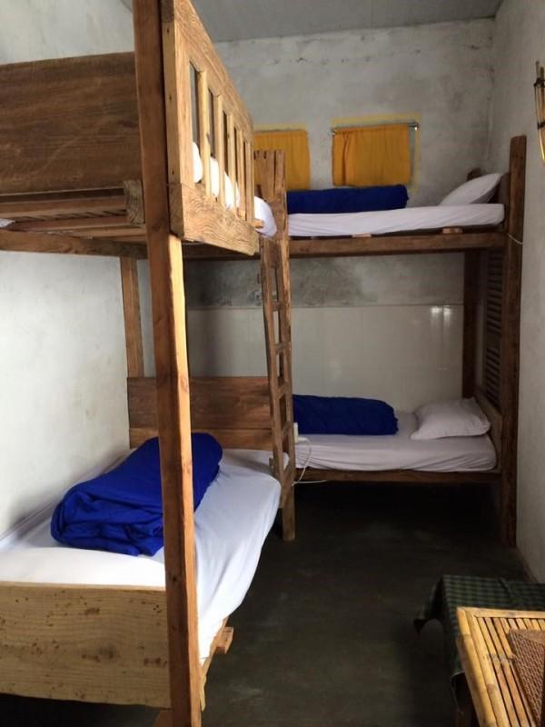 Phòng dorm với thiết kế đơn giản
