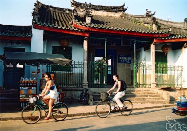 Đạp xe quanh phố cổ Hội An