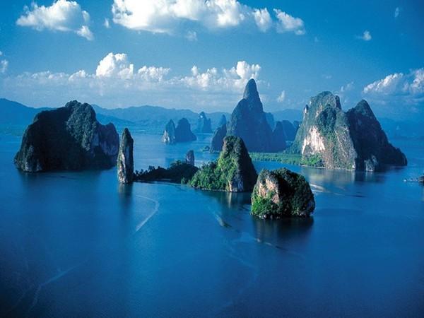 Du khách sẽ ngất ngây với vẻ đẹp nên thơ của vịnh Hạ Long