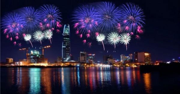 Toàn cảnh bắn pháo bông lễ Quốc Khánh năm 2015