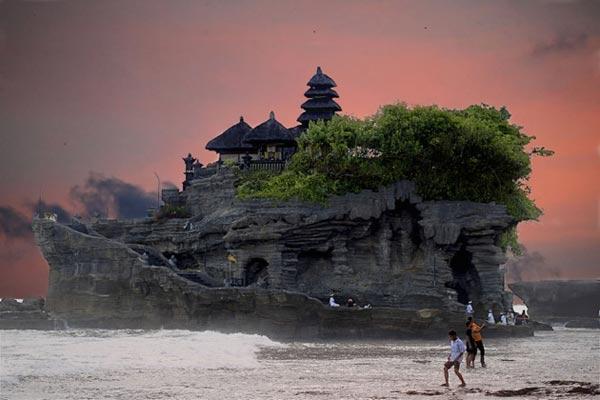 Thăm đền Uluwatu