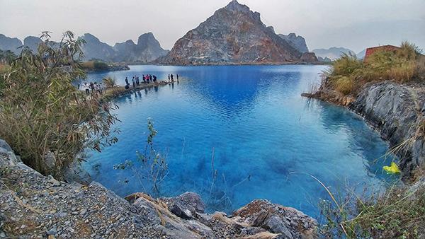 Vé máy bay đi Hải Phòng khám phá hồ nước xanh
