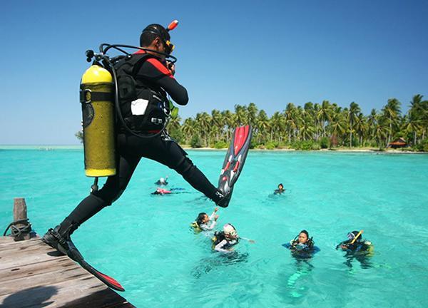 Vé máy bay giá rẻ đi Phú Quốc lặn ngắm san hô