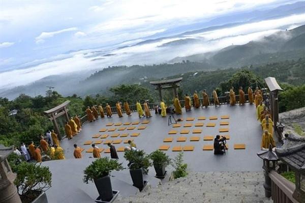 Chùa Linh Quy Pháp Ấn điểm đến mới cho giới trẻ tại Lâm Đồng