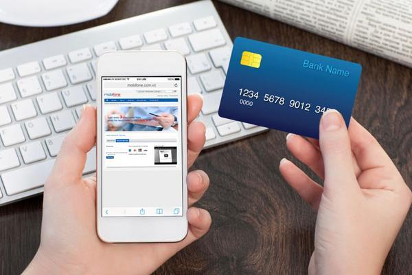 Thanh toán vé máy bay khuyến mãi bằng thẻ ngân hàng