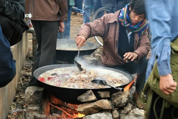 Thắng cố là một đặc sản ẩm thực Sapa