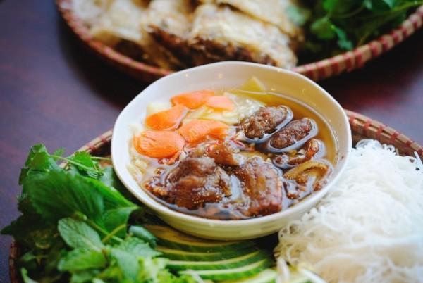 Vietjet khuyến mãi khám phá ẩm thực đường phố Hà Nội
