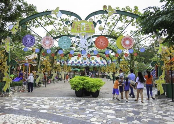 Vé máy bay đi Sài Gòn khám phá khu vui chơi Thỏ Trắng