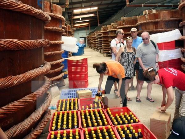 Thăm nhà thùng sản xuất nước mắm Phú Quốc