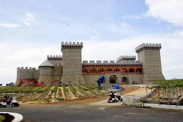 Khám phá lâu đài rượu vang ở Phan Thiết