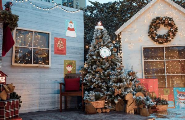 Đến Ecopark đón Giáng sinh đậm chất Bắc Âu cùng ông già Noel lớn nhất Việt