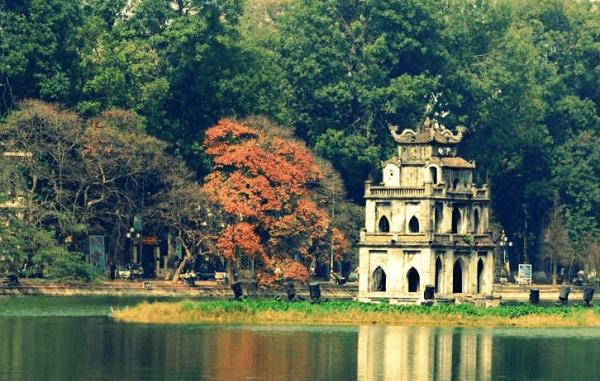 Hồ Hoàn Kiếm vẻ đẹp biểu tượng của Hà Nội