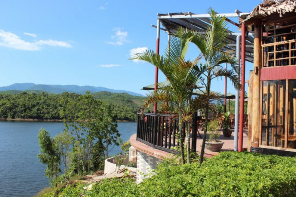The Lake Homestay