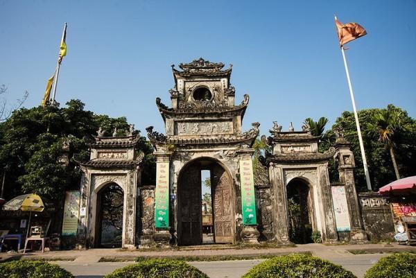 Thăm chùa Chuông - 'đệ nhất danh thắng' của Hưng Yên