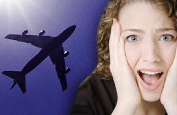 Cách chữa và phòng tránh ù tai khi đi máy bay