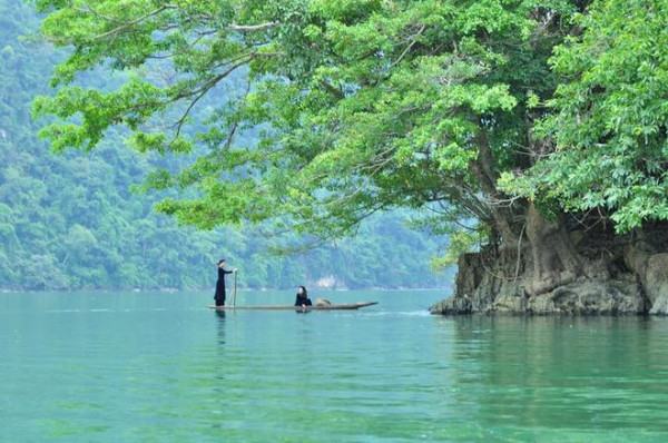 Danh lam thắng cảnh hồ Ba Bể nằm trong Vườn Quốc gia Ba Bể