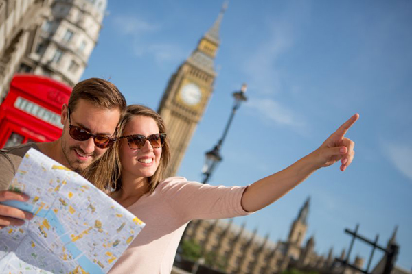 Lưu ý cách ứng xử nơi công cộng khi du lịch nước ngoài