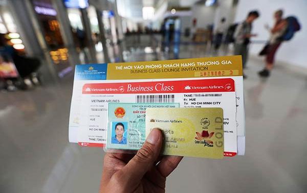 Xuất trình giấy tờ khi đi máy bay