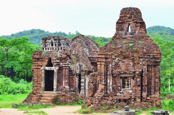 Vé máy bay đi Đà Nẵng khám phá Thánh địa Mỹ Sơn