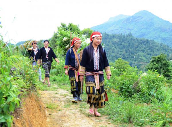 Khám phá văn hoá độc đáo của người Dao ở bản Tả Phìn