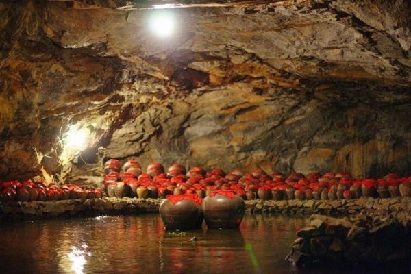 Các hang động tại Tràng An: Hang Sính, Hang Si, Hang Ba Giọt
