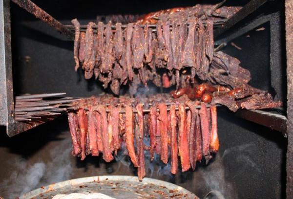 Thịt khô gác bếp