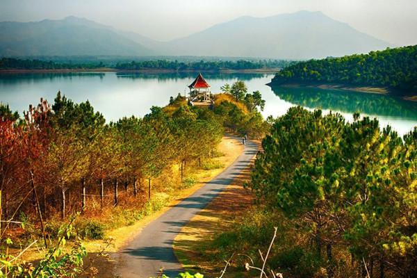 """Biển Hồ - điểm đến """"hot"""" nhất tỉnh Gia Lai"""
