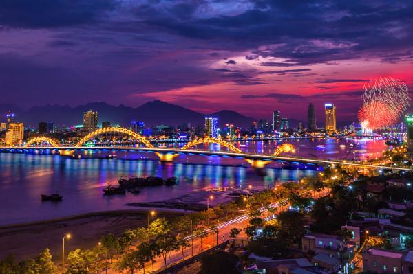 Vé máy bay giá rẻ khoáy đảo mùa hè sôi động tại Đà Nẵng