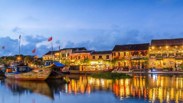 Vé máy bay đi Đà Nẵng ngắm cảnh đẹp Hội An