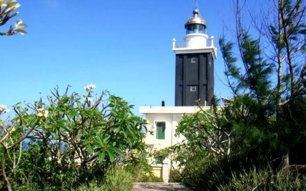 Ngọn Hải Đăng Trên Đảo Phú Qúy