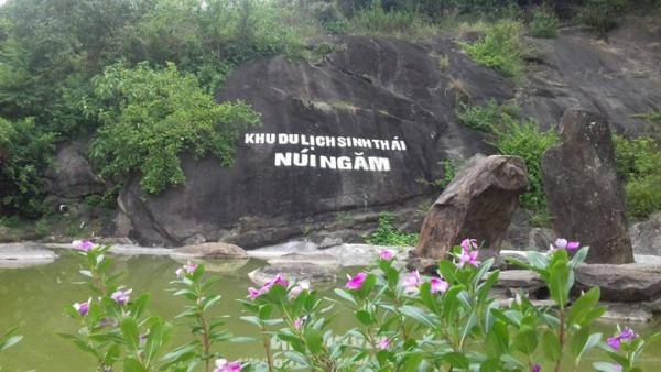Núi Ngăm