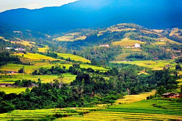 Bản Sông Moóc Quảng Ninh