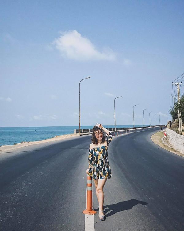 Đường ven biển ra Long Hải 2