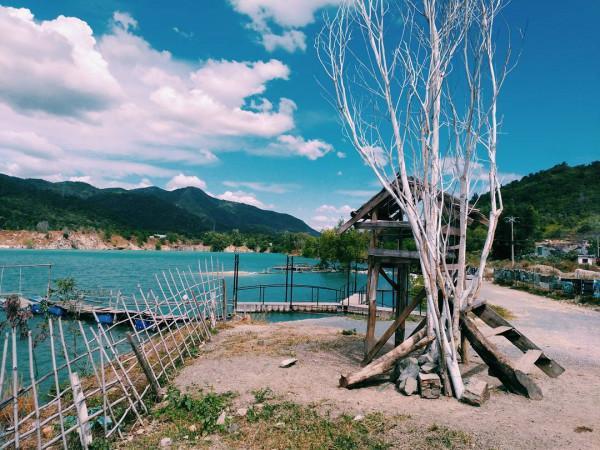 Hồ Đá Xanh1