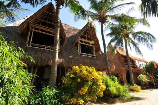 Ngôi làng biển Jungle Beach1