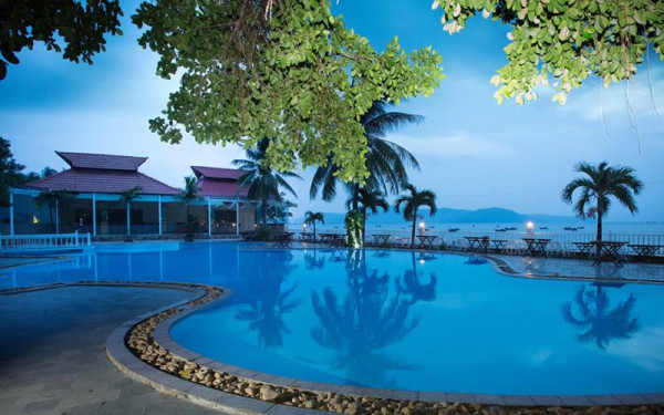 Royal Hotel & Healthcare Resort Quy Nhơn1
