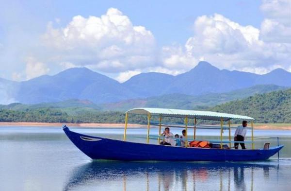 Hồ Phú Ninh8