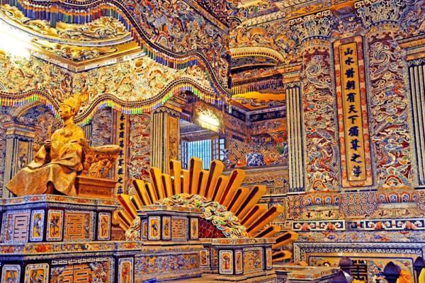 Khai Dinh Tomb - www.huecitytour.com
