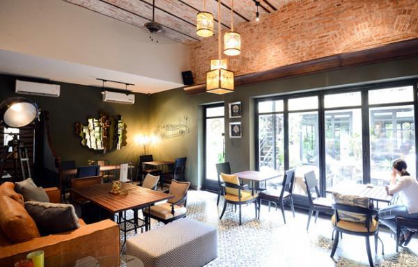 Runam Bistro Cafe